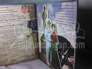 Undangan Pernikahan Hardcover Semi Pop Up Dody dan Nifa (EDC 108) Tampak Patung Semi Pop Up