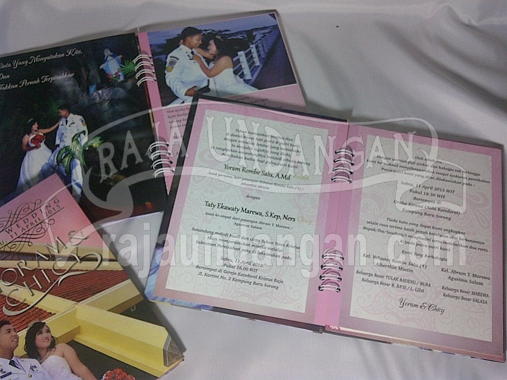 IMG 20150808 01010 - Percetakan Wedding Invitations Unik dan Eksklusif di Tandes