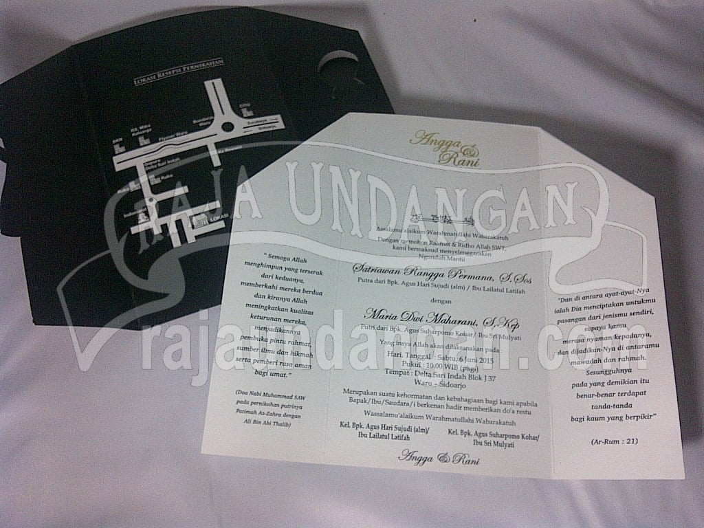 Pesan Wedding Invitations Simple dan Elegan di Kandangan