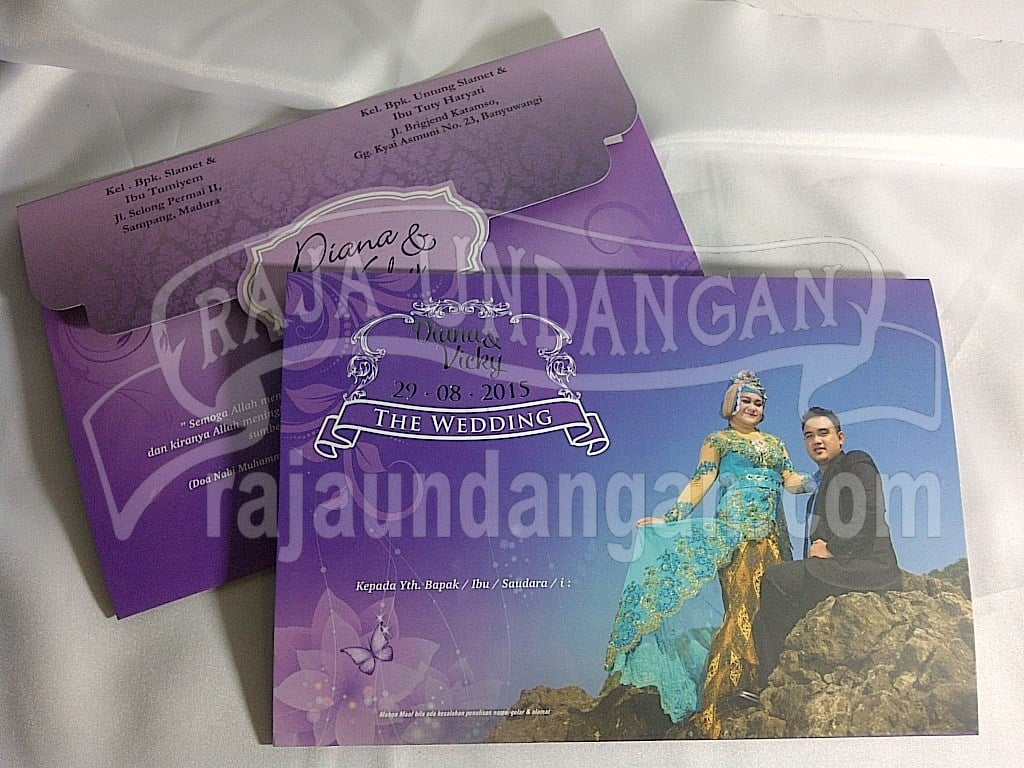 Membuat Wedding Invitations Simple dan Elegan di Medokan Semampir